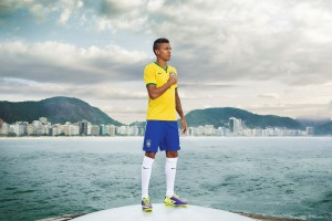 Luiz Gustavo_Brasilien Trikot_WM 2014