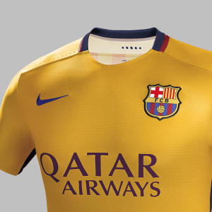 Fa15_Club_Kits_PR_Match_Crest_A_Barcelona_R_neck_HFR1_square_600
